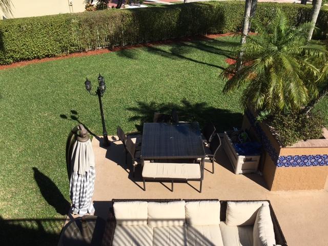 Oversize Backyard