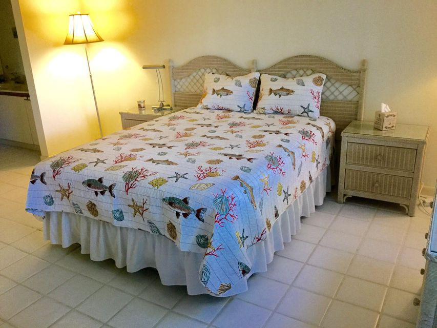 Additional photo for property listing at 518 Oak Harbour Drive 518 Oak Harbour Drive Juno Beach, Florida 33408 United States