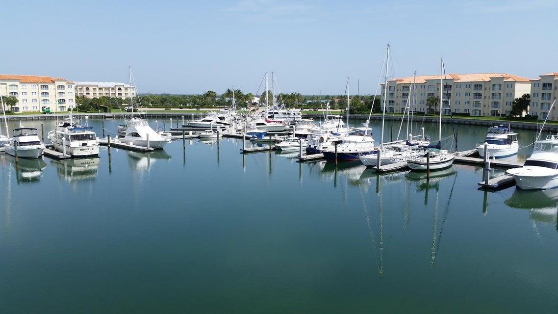 15 Harbour Isle Drive W 305, Hutchinson Island, FL 34949