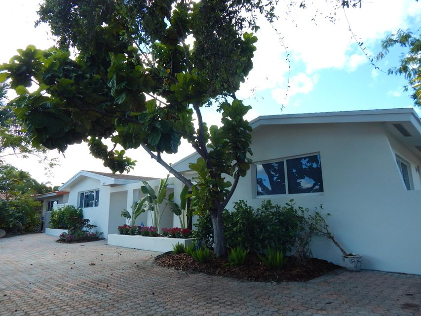 Home for sale in Highland Lakes Miami Florida