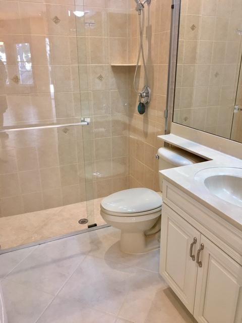 Downstairs full bathroom