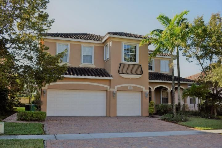 605 Cresta Circle, West Palm Beach, FL 33413