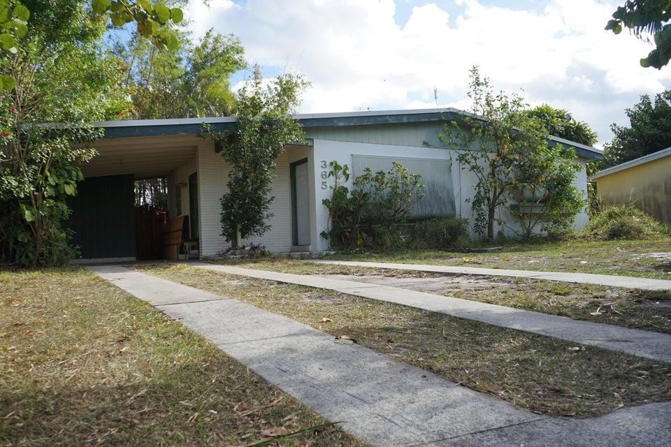 365 SE Airoso Boulevard, Port Saint Lucie, FL 34983
