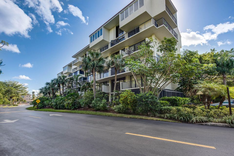 3908 S Ocean Boulevard is listed as MLS Listing RX-10298558 with 41 pictures