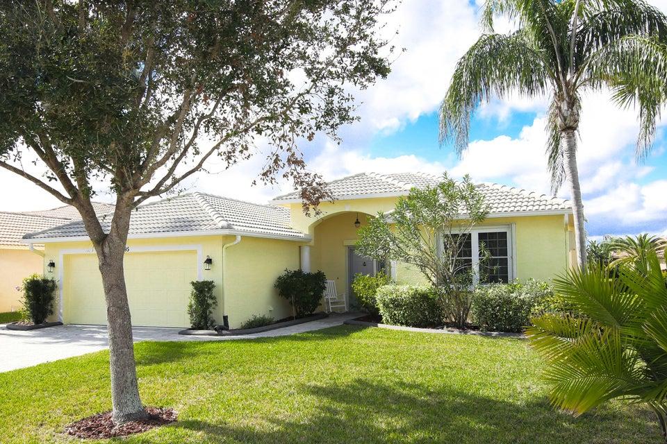 595 NW Waverly Circle, Port Saint Lucie, FL 34983