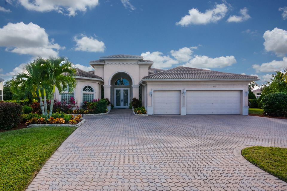 2927 E Fontana Ct, Royal Palm Beach, FL 33411