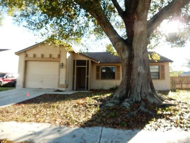 116  Greentree Circle is listed as MLS Listing RX-10297946 with 9 pictures