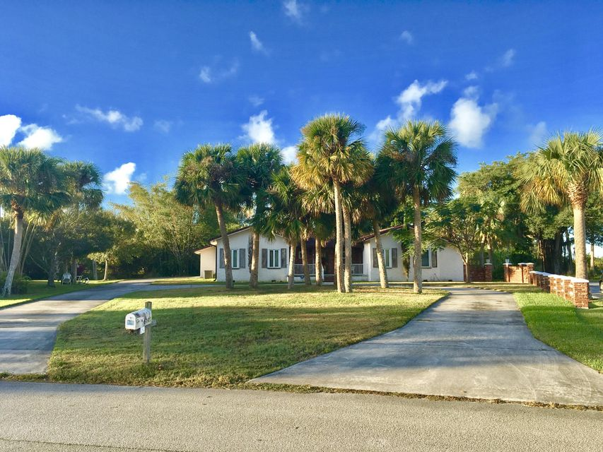 611 Juan Ortiz Circle, Fort Pierce, FL 34947