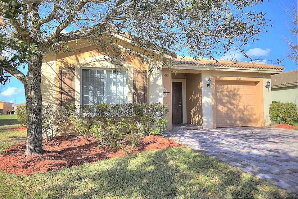 1983 SW Jamesport Drive is listed as MLS Listing RX-10297932 with 20 pictures