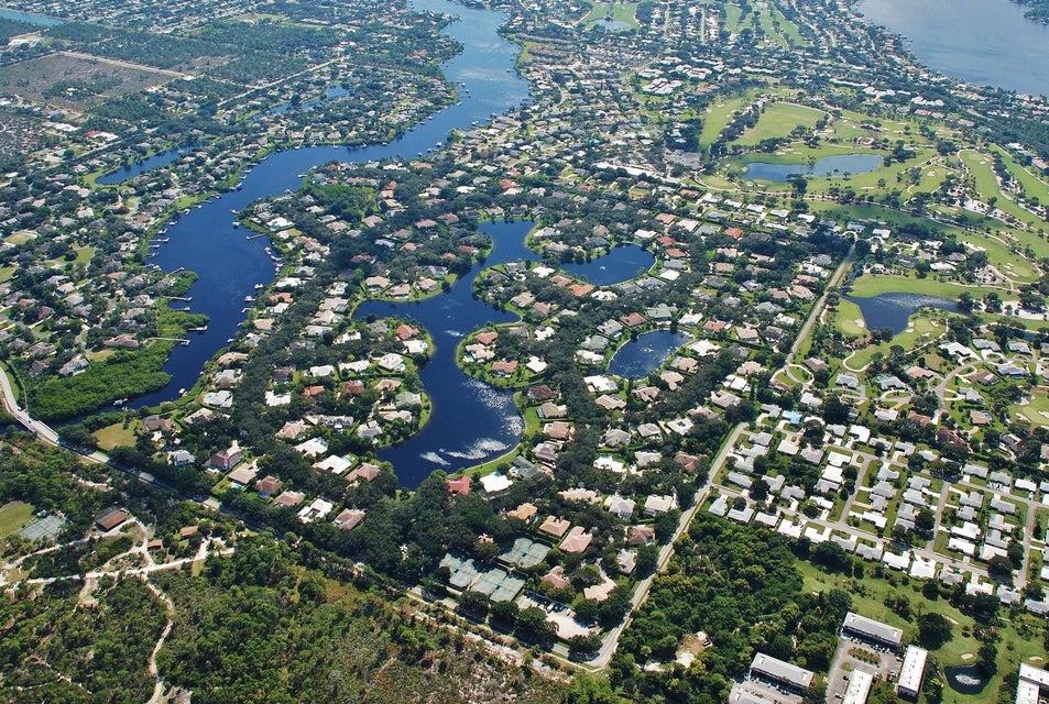 18552 SE Heritage Drive, Tequesta, FL 33469