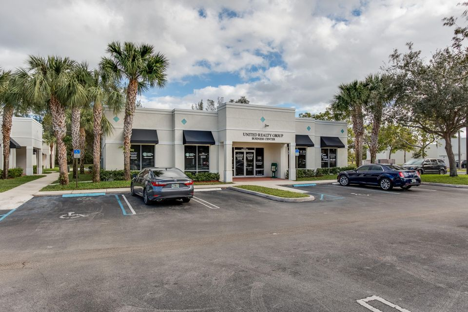 Comercial por un Venta en 1402 Royal Palm Beach Boulevard # 700 1402 Royal Palm Beach Boulevard # 700 Royal Palm Beach, Florida 33411 Estados Unidos