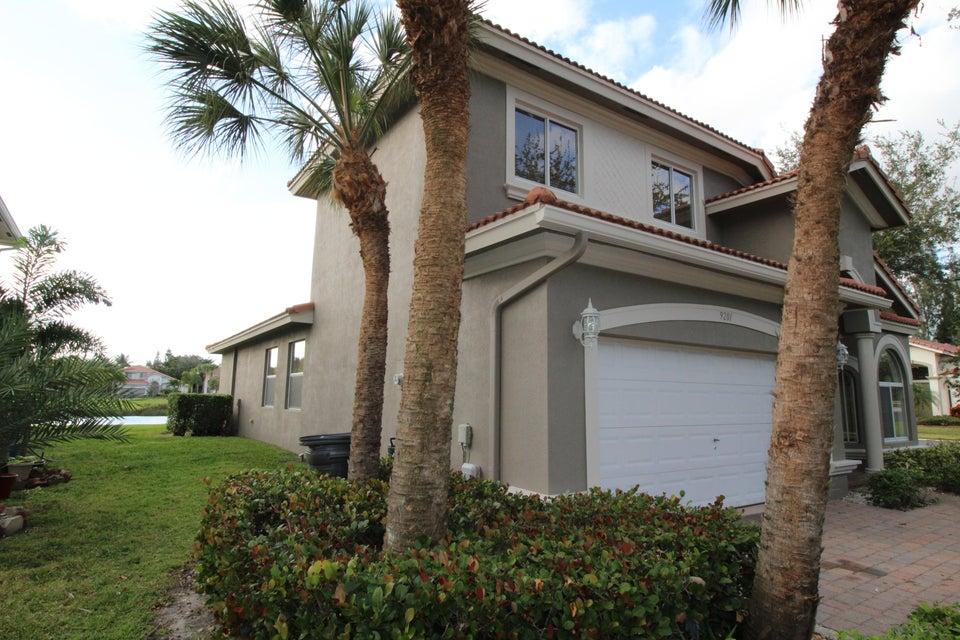 9201 Silver Glen Way  Lake Worth, FL 33467