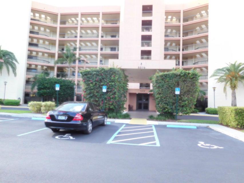 5279 S Fountains Drive S 201, Lake Worth, FL 33467