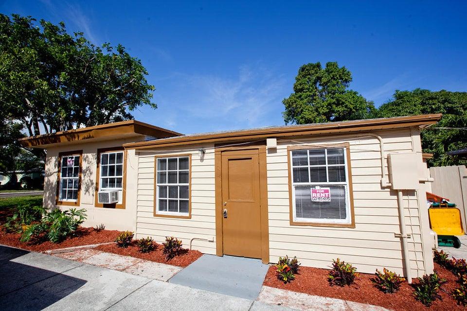 402 N C Street  Lake Worth, FL 33460