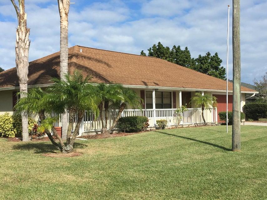 1102 W Weatherbee Road, Fort Pierce, FL 34982