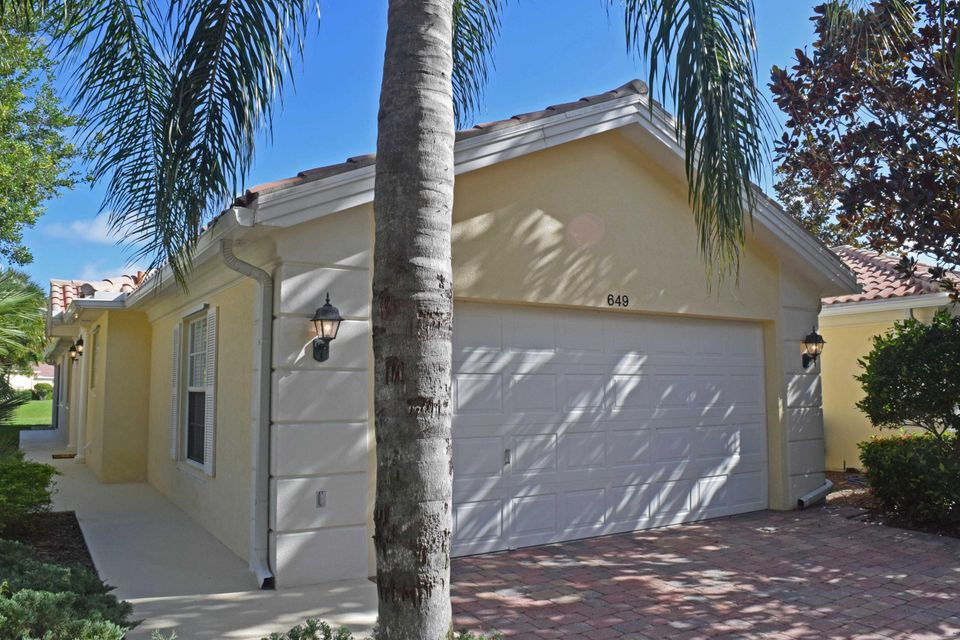 649 Hudson Bay Drive Palm Beach Gardens Fl 33410 Rx 10298729 In Isles
