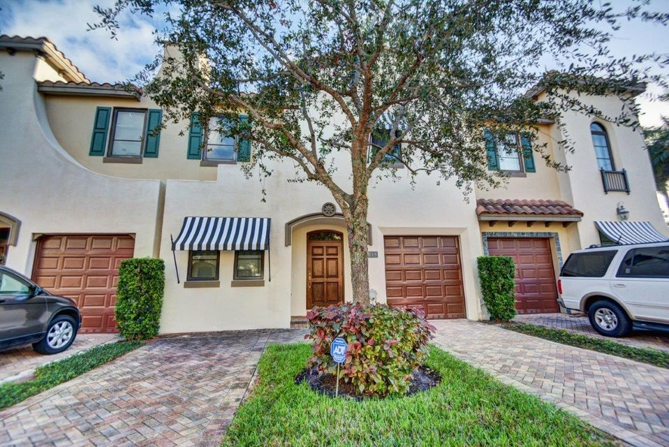 215 Via Villagio, Hypoluxo, FL 33462
