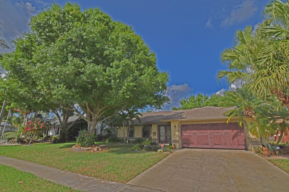 136 Parkwood Drive  Royal Palm Beach, FL 33411