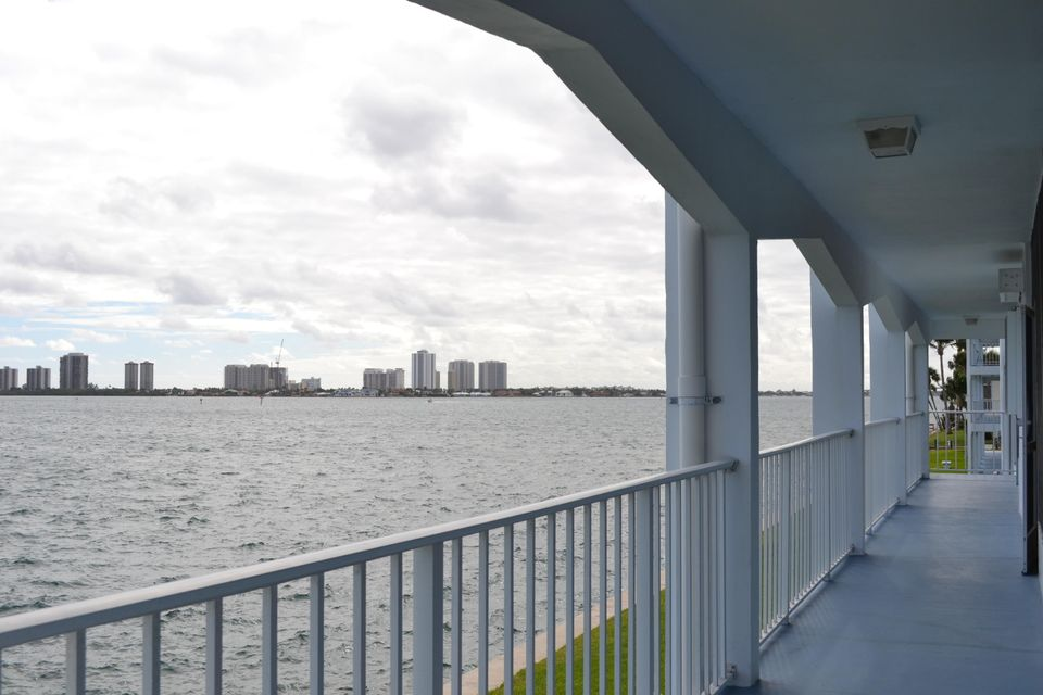 100  Shore Court is listed as MLS Listing RX-10298842 with 18 pictures
