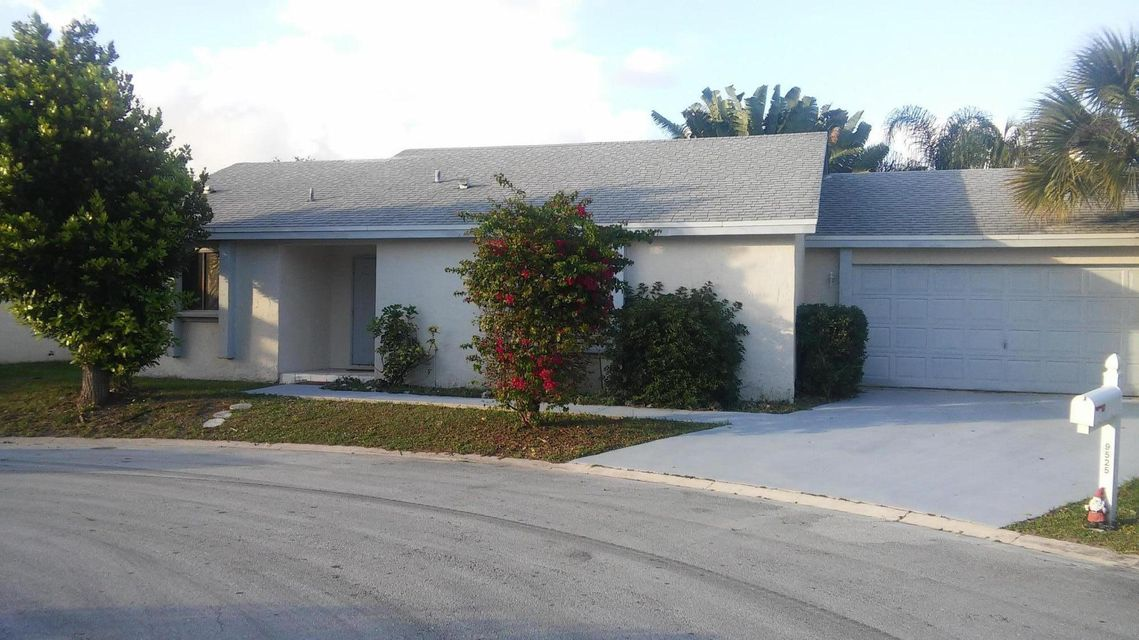 9525  Everglades Park Lane is listed as MLS Listing RX-10299076 with 2 pictures