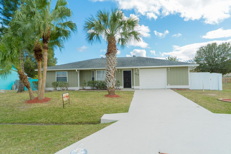 414 SW Parish Terrace is listed as MLS Listing RX-10298986 with 25 pictures