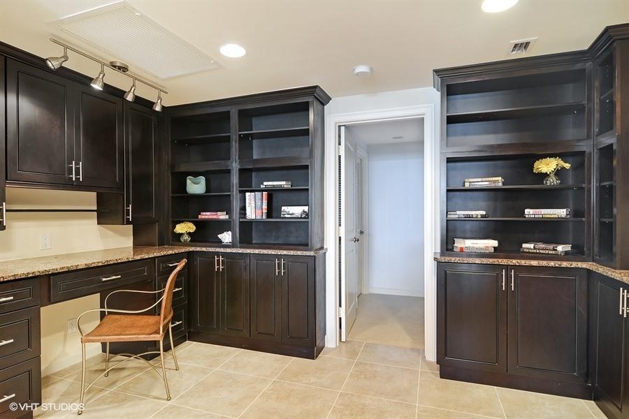 Additional photo for property listing at 2820 SE Dune Drive 2820 SE Dune Drive Stuart, Florida 34996 United States