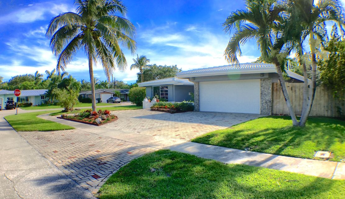 425 SW 7th Terrace, Boca Raton, FL 33486