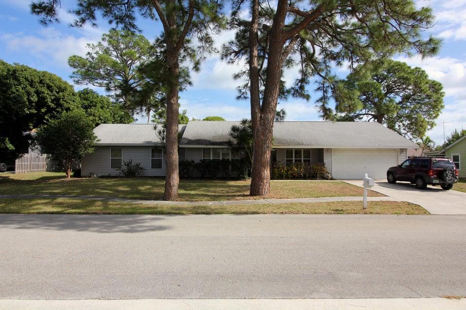709 Warren Drive, Jupiter, FL 33458