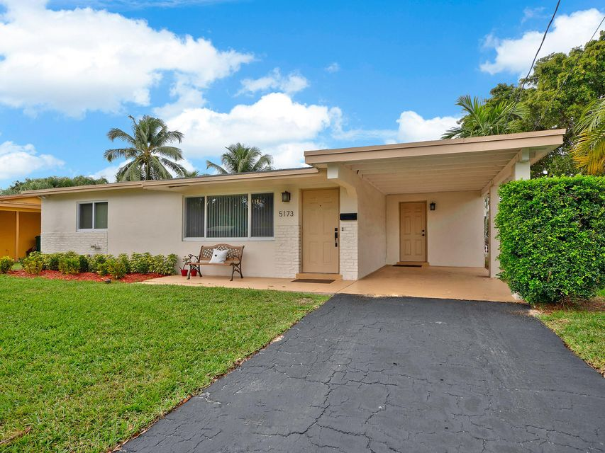 Home for sale in SUMMERTIME ISLES 1ST ADD Cooper City Florida