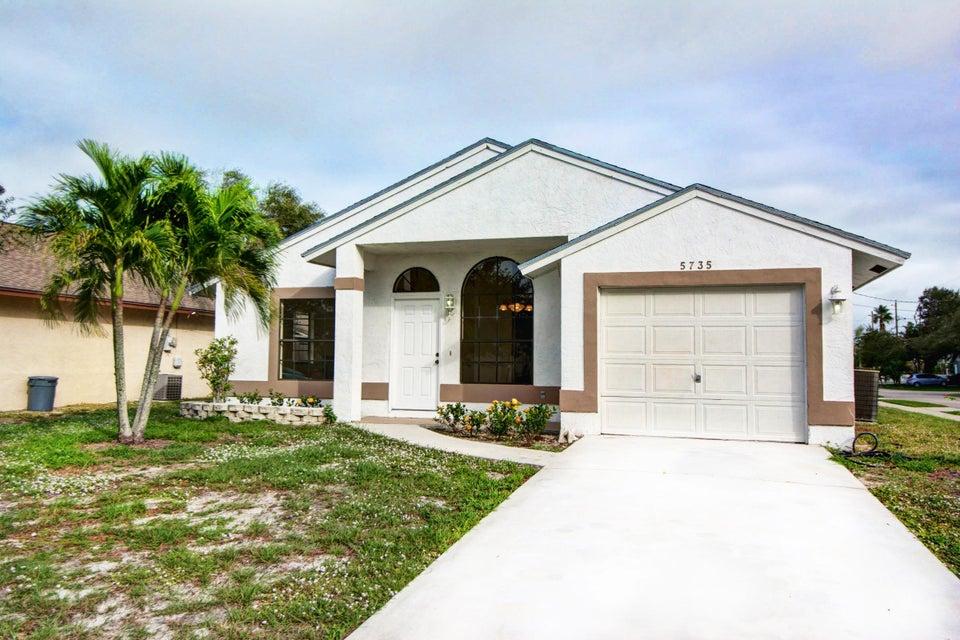 5735 SE Mitzi Lane, Stuart, FL 34997