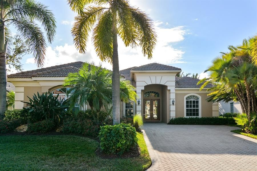 9025 One Putt Place, Port Saint Lucie, FL 34986