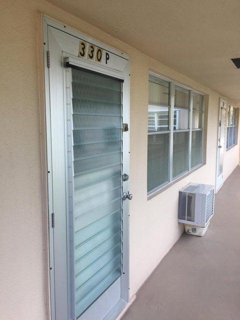 330 Chatham P, West Palm Beach, FL 33417