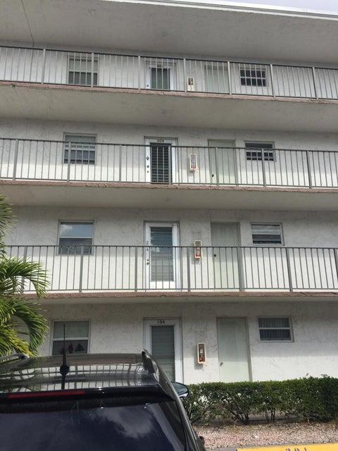 725 Lori Drive 304, Palm Springs, FL 33461