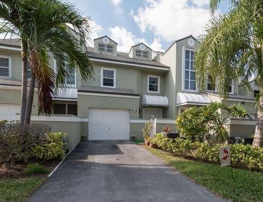 Home for sale in Lakeshore Hypoluxo Florida