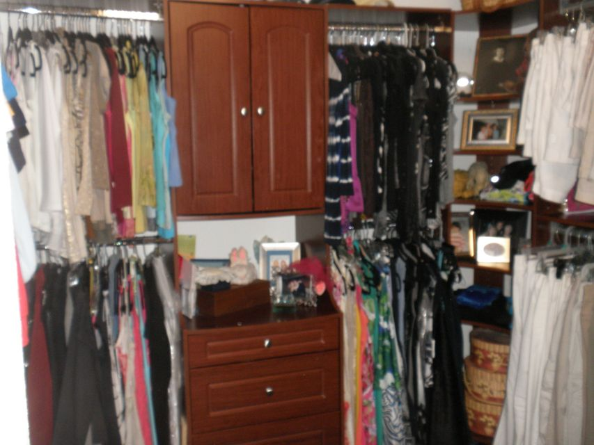 custom built-in closets