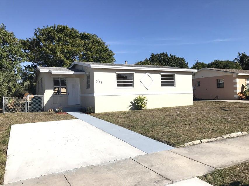 301 NE 27th Court, Boynton Beach, FL 33435
