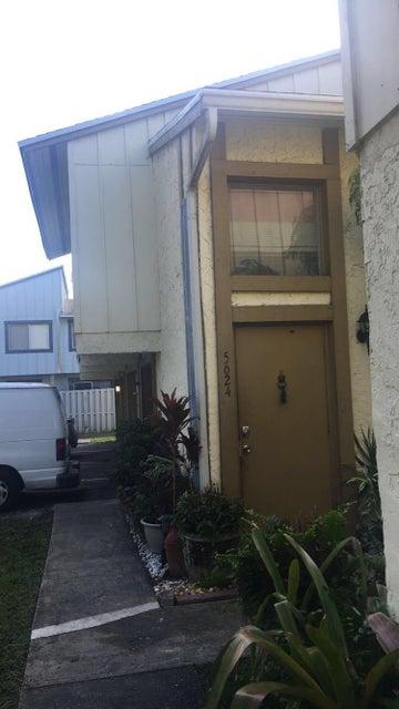 Cooperativa / condomínio para Venda às 5624 NW 21st Street Lauderhill, Florida 33313 Estados Unidos