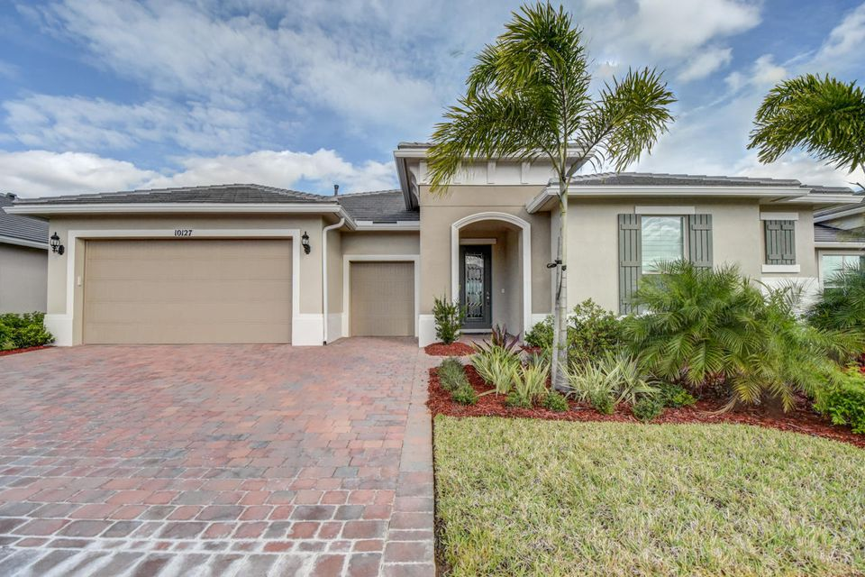 10127 SW Cypress Wood Court, Port Saint Lucie, FL 34987
