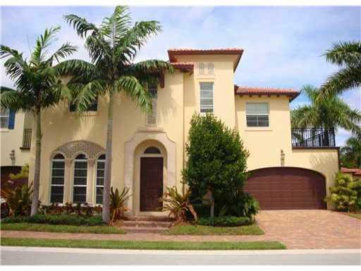 81 Via Poinciana Street, Boca Raton, FL 33487