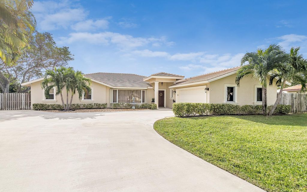 1422 Mediterranean Road E, West Palm Beach, FL 33406