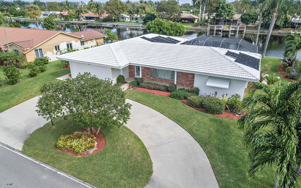 8300 W Lake Drive, West Palm Beach, FL 33406