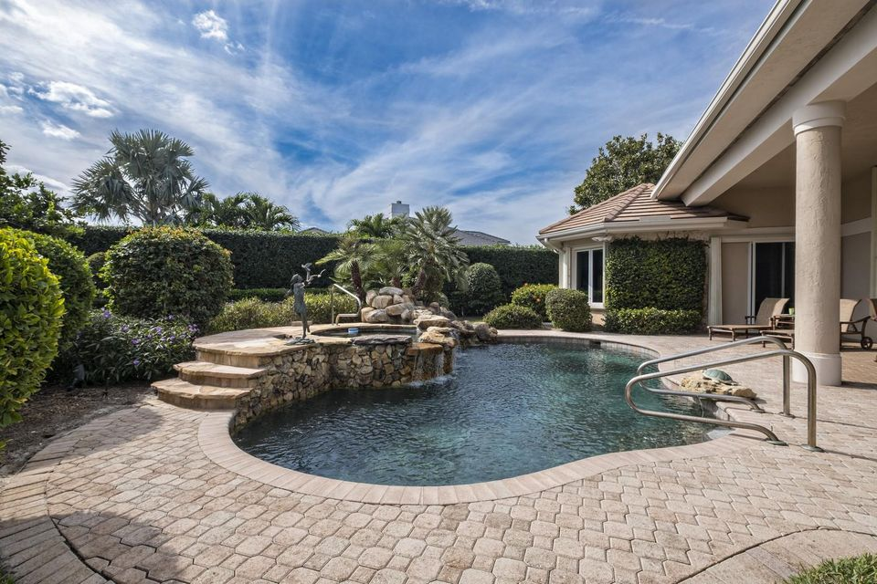 JUPITER HILLS PROPERTY