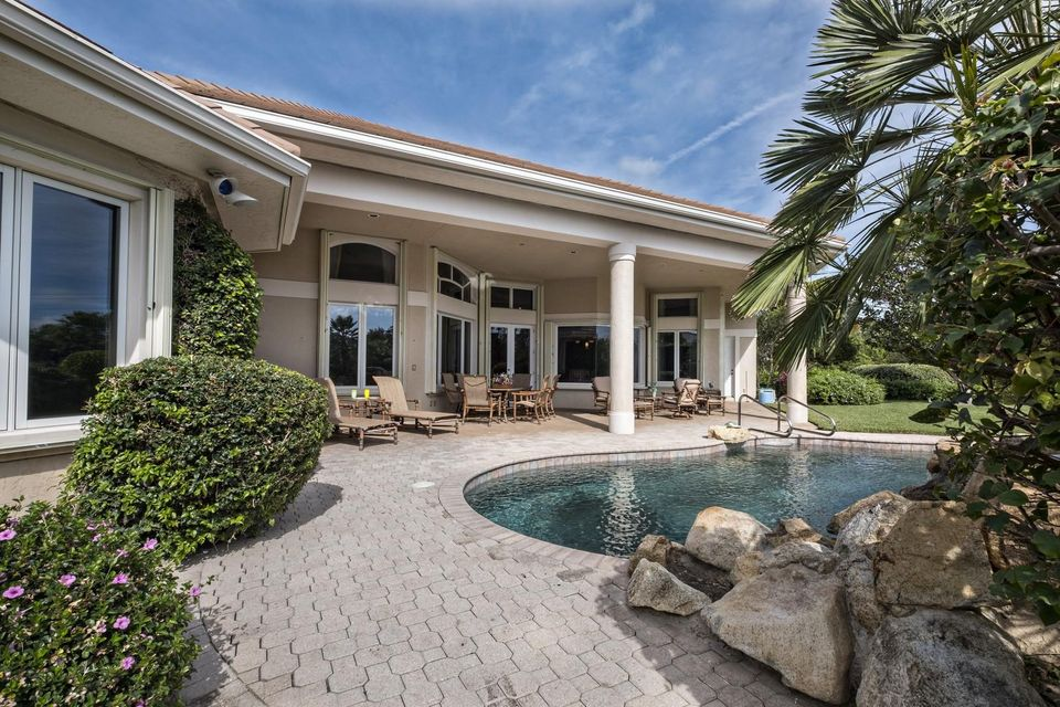 Additional photo for property listing at 18566 SE Village Circle 18566 SE Village Circle Tequesta, Florida 33469 États-Unis