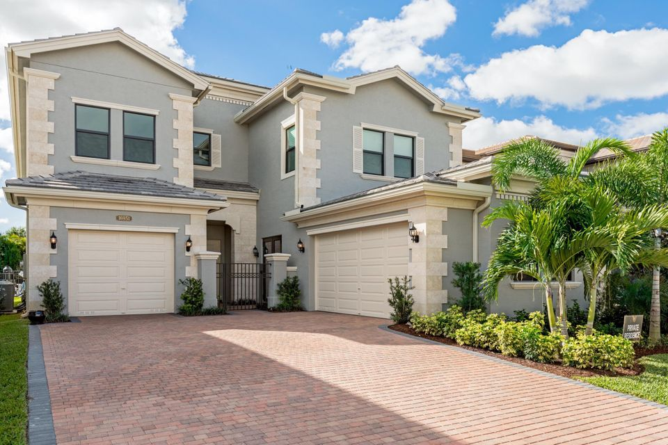 16951 Pavilion Way, Delray Beach, FL 33446