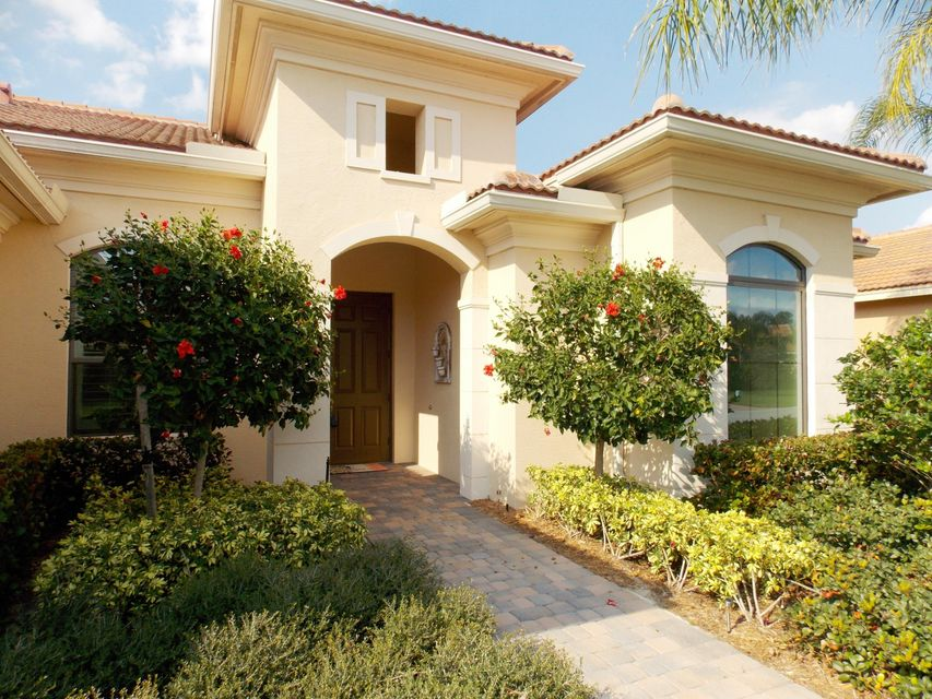 2103 NW Winterberry Trail, Jensen Beach, FL 34957