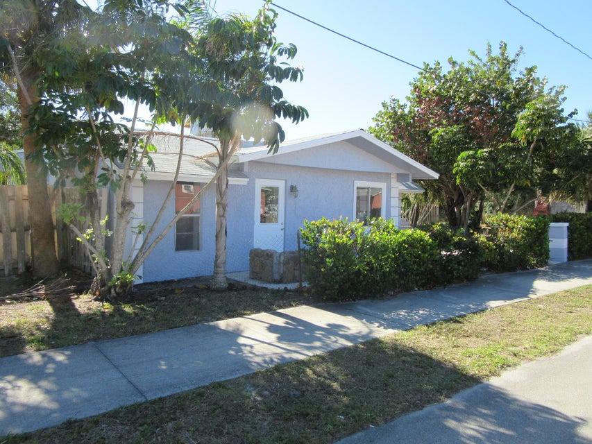 5544 SE 47th Avenue, Stuart, FL 34997