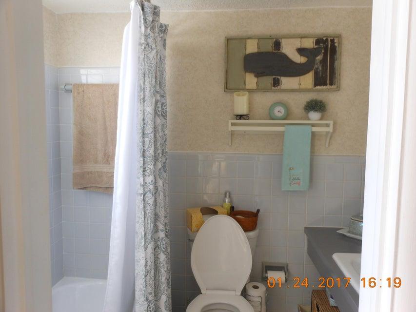 4001 S Ocean Boulevard 207, South Palm Beach, FL 33480