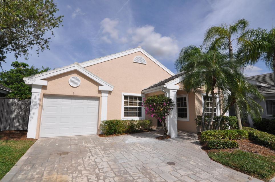 9 Governors Court , Palm Beach Gardens FL 33418 is listed for sale as MLS Listing RX-10301810 23 photos