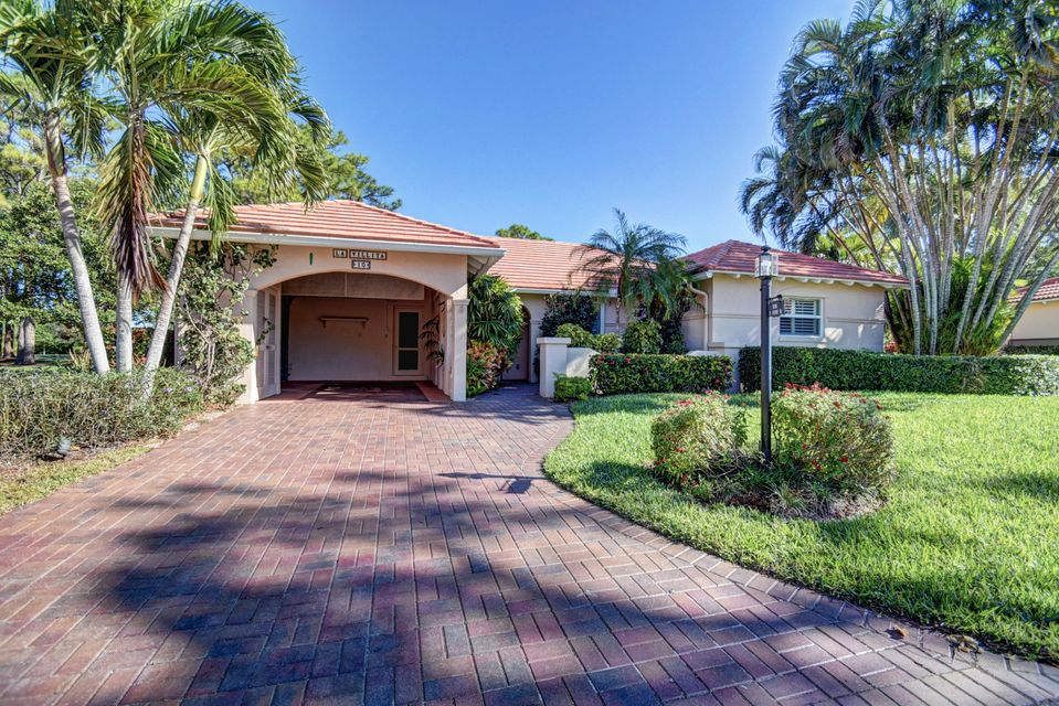 10 Fairway Drive, Boynton Beach, FL 33436