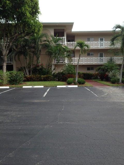 2687 Garden Drive 101  Lake Worth, FL 33461